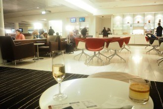 Qantas International Business Lounge Melbourne Review