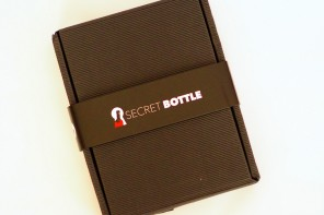 What's In The Box? Secret Bottle Review Dec 2015 wine tasting note review
